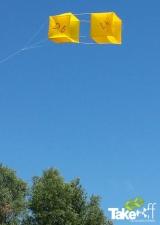 <h5>Zonnig vliegertje</h5><p>Fleurige vlieger in de lucht bij Enkhuizen.</p>