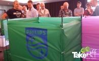 <h5>Philips vlieger</h5><p>Medewerkers van Philips Lighting hebben een teambuilding en communicatie training. Als afsluiting bouwen ze een hele grote professionele teamvlieger.</p>