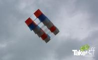 <h5>Megavlieger bij Dalfsen</h5><p>Aan het einde van de workshop ging de megavlieger uiteraard ook écht de lucht in.</p>