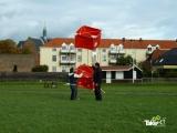 <h5>Mooie reuzenvlieger in Harderwijk</h5><p>Bedrijfsuitje met reuzenvlieger bouwen. Deze vlieger staat op het punt om gelanceerd te worden.</p>