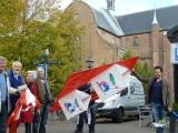<h5>Op weg naar het vliegerveld</h5><p>Deelnemers lopen met hun zelfgemaakte reuzenvliegers door het centrum van Harderwijk naar het vliegerveld.</p>