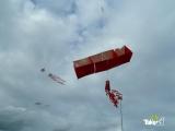 <h5>Mooie doosvlieger in Harderwijk</h5><p>Reuzevlieger, een hele grote doosvlieger gebouwd met een bedrijfsuitje reuzenvliegers bouwen in Harderwijk.</p>