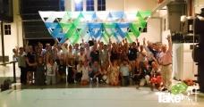 <h5>Groepsfoto met de Megavlieger</h5><p>Uiteraard is deze workshop niet compleet zonder een groepsfoto mét de Megavlieger erbij!  Top gedaan mensen!</p>