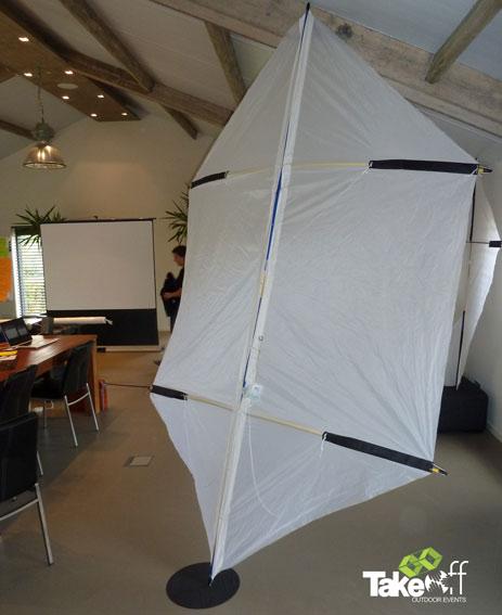 Reuzenvlieger bouwen in een teambuilding setting, erg leuke combi met Insights Discovery!