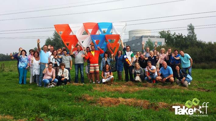 Bedrijfsuitje in Roosendaal bij Indoor Skydive Roosendaal met het bouwen van een Megavlieger.
