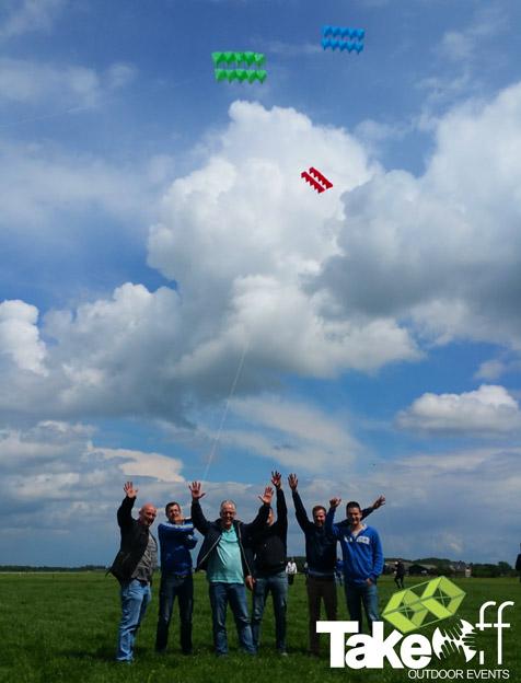 Megavlieger bouwen bij Den Bosch.