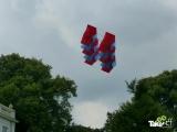 <h5>Megavlieger in Sonsbeek park</h5><p>Aan het einde van de workshop moet de megavlieger ook echt opgelaten worden.</p>