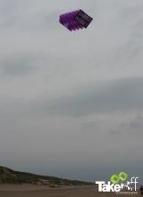 <h5>Megavlieger boven het strand</h5><p>Megavlieger boven het strand bij Julianadorp. Mooie teambuilding workshop.</p>
