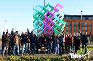 <h5>Teamfoto Philips Lighting</h5><p>Leuke teamfoto met de teamvlieger er bij.</p>