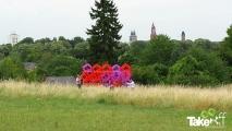 <h5>Megavlieger startklaar</h5><p>De megavlieger startklaar en op de achtergrond de skyline van Maastricht. Hele mooie locatie!</p>