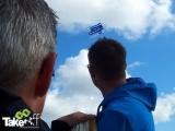 <h5>Teamvlieger hoog in de lucht.</h5><p>Mooie foto van de teamvlieger hoog in de lucht bij Bergen aan Zee.</p>