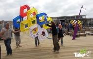 <h5>Teamvlieger op het strand</h5><p>Mooie teamvlieger op het strand in Scheveningen.</p>