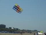 <h5>Megavlieger boven de skyline van zandvoort.</h5><p>De teamvlieger boven de skyline van Zandvoort.</p>