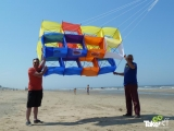 <h5>insights discovery, carl jung, leuke werkvormen, megavlieger, teamvlieger, teambuilding, teambuilding opdracht, samenwerkingsopdracht, dkv, zandvoort, teamvlieger bouwen,</h5><p>Teamvlieger klaar voor lancering op het strand bij Zandvoort.</p>