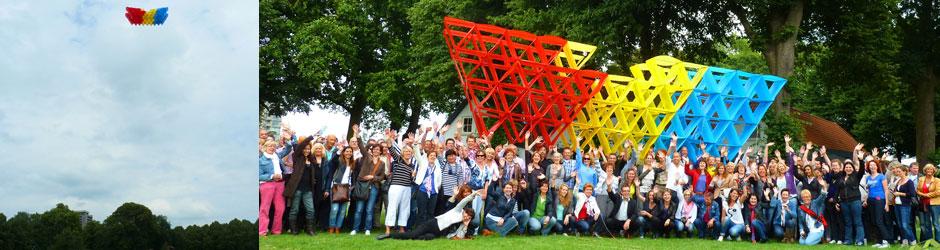 Megavlieger bouwen is een ideale workshop voor grote groepen. Samenwerken, verbinding maken en resultaten boeken, het zit er allemaal in!