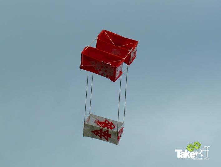 De winnende vlieger van vandaag. Creatief gebruik van materiaal, origineel model én goede vlieg eigenschappen! Well done mensen!!