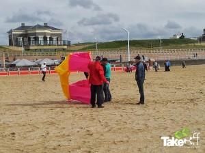 Reuzevlieger op het strand in Scheveningen.
