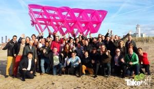Megavlieger gebouwd tijdens een vergaderbreak in Noordwijk.