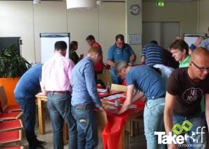 Teambuilding workshop met het bouwen van een Megavlieger.