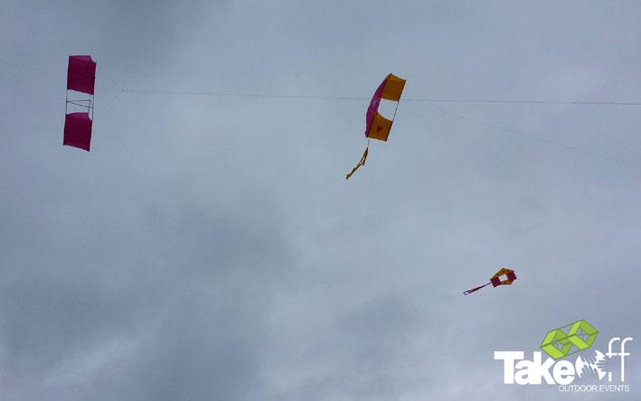 Vliegers maken en vliegen in Rockanje, leuke workshop voor een bedrijfsuitje.